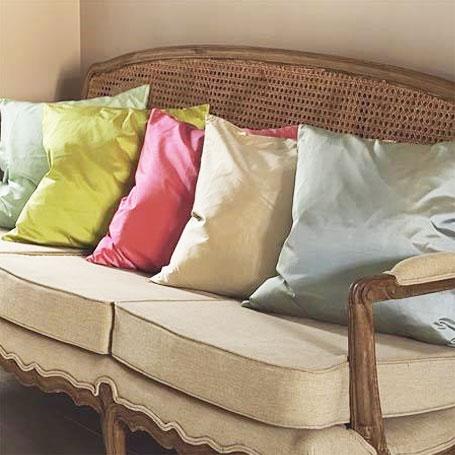 alexander_mcqueen_cushions_455px