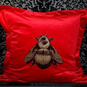 blog-napolean-bee-cushion1