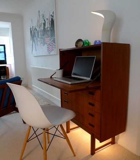 Desk In The Living Room: Through The Keyhole
